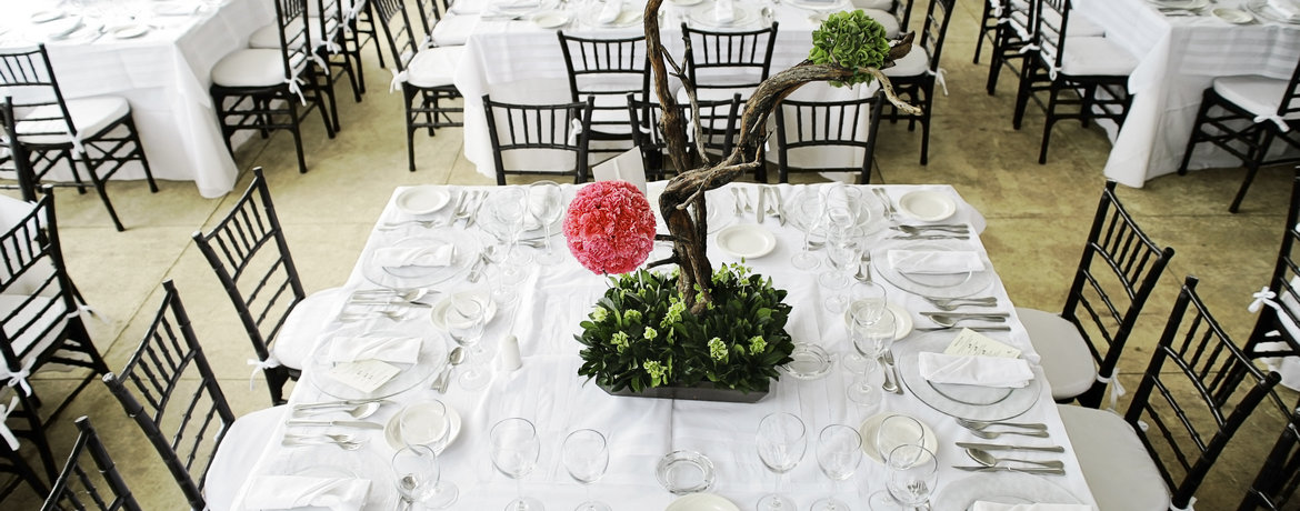 How to Determine the Right Number of Tables and Chairs for Your Event